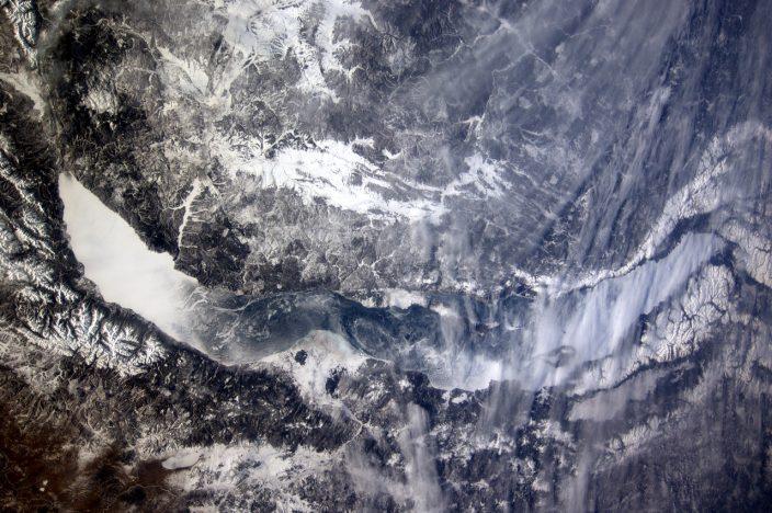 Байкал во льду
