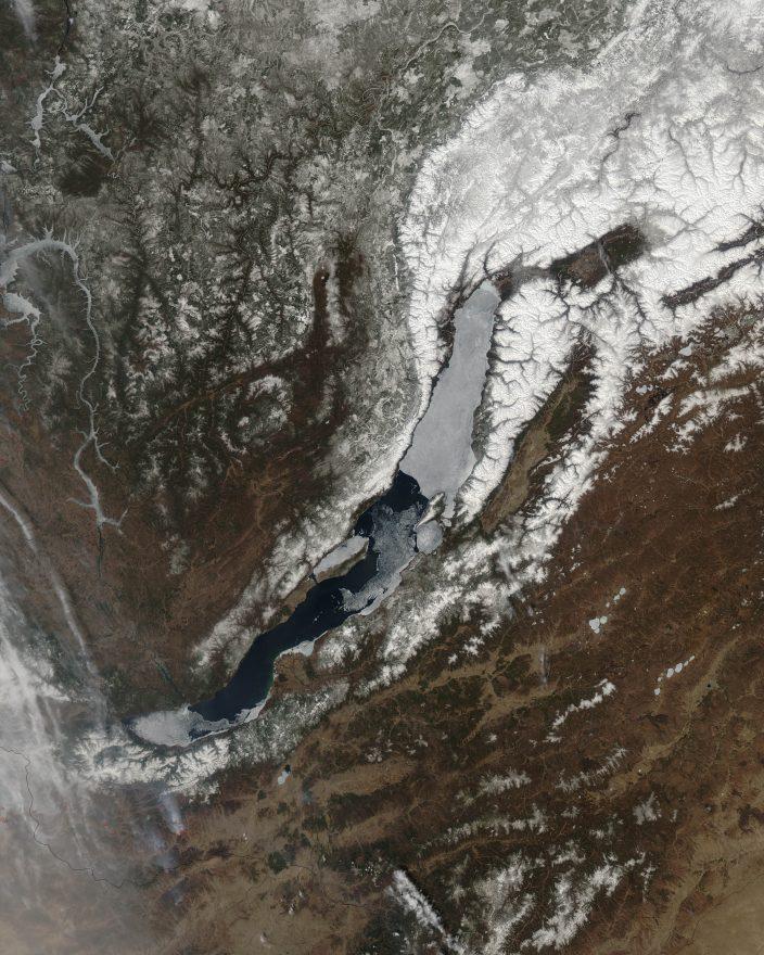 Как Байкал освобождается от льда